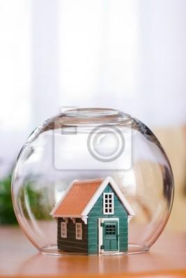 Vue conceptuelle de protéger une maison - assurance de l'immobilier