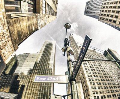 Papiers peints Vue de bas en haut des gratte-ciel de New York