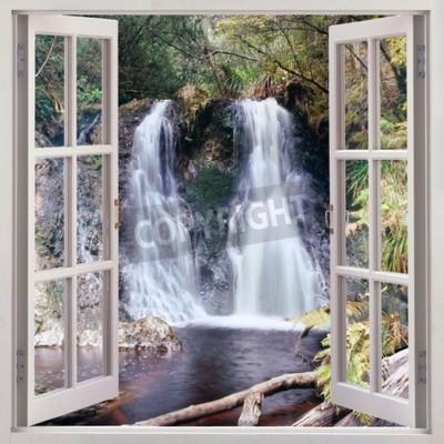 Papiers peints Vue de fenêtre ouverte aux chutes de Hogarth - une petite cascade plaisante nichée dans le parc de personnes dans le township côtier pittoresque de Strahan, Tasmanie, Australie