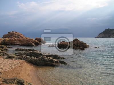 Vue de la côte dans la soirée avant la pluie, Tossa de Mar, Costa Brava (Espagne)