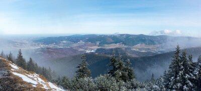 Papiers peints Vue panoramique de la crête de la montagne à la vallée