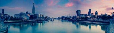 Papiers peints Vue panoramique sur Londres et Thames au crépuscule, de la Tour Brid