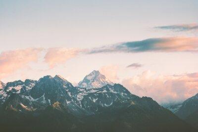 Papiers peints Sunset Mountains pics et nuages Paysage Summer Travel vue aérienne panoramique sauvage.