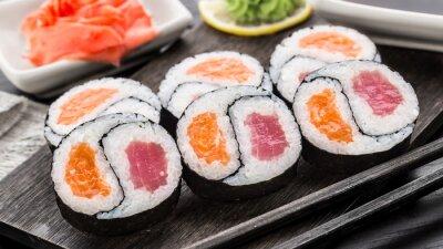 Papiers peints Yin yang futomaki avec thon et saumon