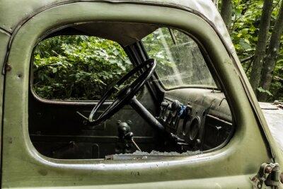 Papiers peints Zil 157. Vieille voiture russe transportant arbre de dur à atteindre les coins des forêts de montagne.