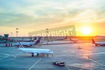 Posters Aéroport, nombreux, avions, beau, Coucher soleil