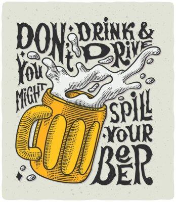 Posters Affiche graphique avec la gravure de tasse et le texte drôle