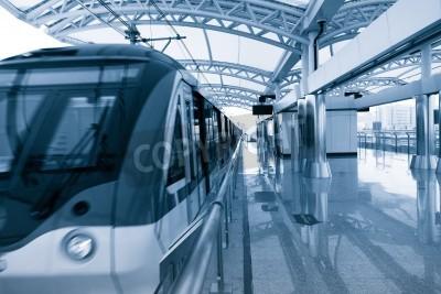 Posters Architecture Moderne de la station de train léger sur rail à Shanghai en Chine.