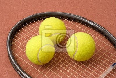 Balles de tennis et la raquette