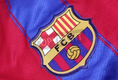Posters Barcelone, Espagne - le 28 Janvier, 2012: Le Crest de Barcelone Football Club sur le maillot officiel. FC Barcelone a été fondé dans le 1899e