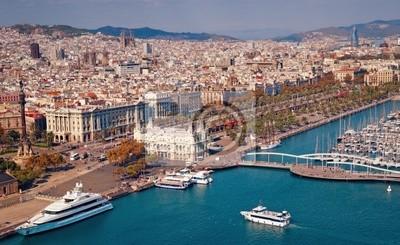 Barcelone horizon, la Sagrada Familia et Torre Agbar sont visibles.