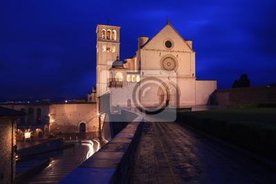 Basilique de Saint François d'Assise à un crépuscule, Italie