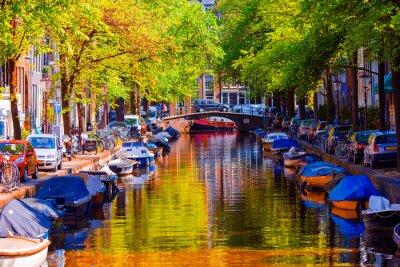 Posters Beau canal dans la vieille ville d'Amsterdam, Pays-Bas, Hollande du Nord.
