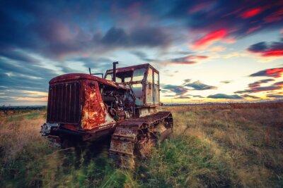 Posters Beau, Coucher soleil, champ, vieux, rouillé, tracteur