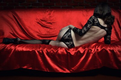 Posters Belle et sexy jeune femme dans la lingerie érotique et des bas
