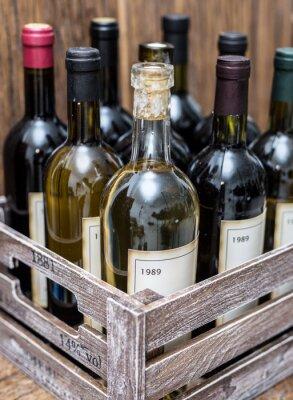 Posters Bouteilles de vin dans une caisse en bois.