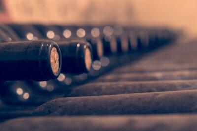 Posters Bouteilles de vin vieux empilés pour le vieillissement