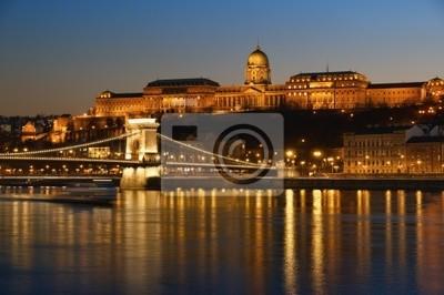 Budapest dans la nuit.