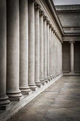 Posters Colonnes dans la cour du Palais de la Légion d'Honneur