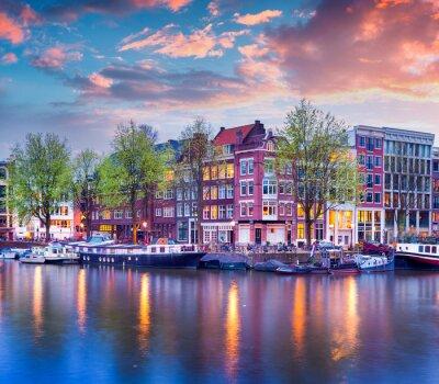 Posters Colorful coucher de soleil de printemps sur les canaux d'Amsterdam
