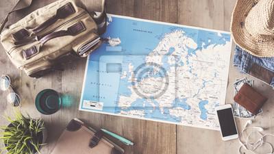 Posters Concept de voyage sur fond en bois
