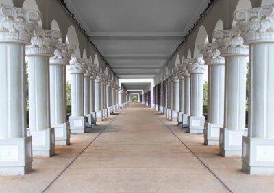 Posters couloir avec des colonnes