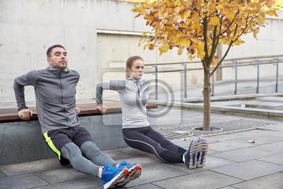 Couple, faire, triceps, plonger, ville, rue, banc