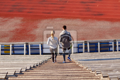 Couple, marche, bas, stade