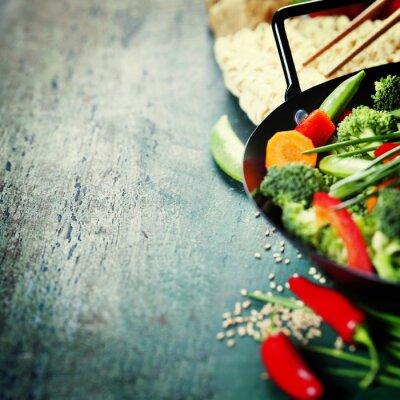 Posters Cuisine chinoise. la cuisson des légumes au wok.