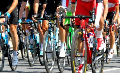 Posters cyclistes lors d'une course sur route de cycle en Europe