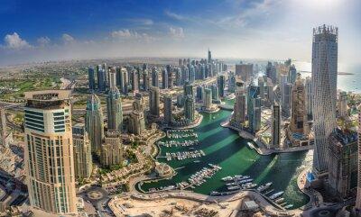 Posters DUBAI, Émirats arabes unis - OCTOBRE 10: Les bâtiments modernes à Dubai Marina, Dubaï