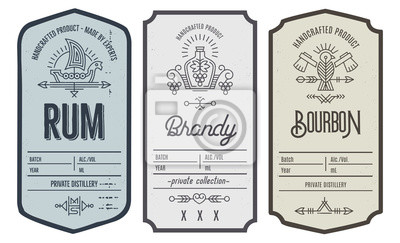 Posters Ensemble de conception d'étiquette de bouteille d'intage avec des éléments ethniques en fin de ligne.
