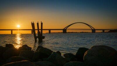 Posters Fehmarnsundbrücke au coucher du soleil
