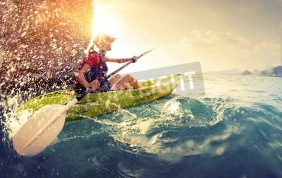 Posters Femme avec le kayak