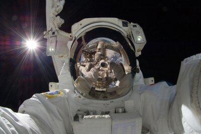 Posters Fin, haut, vue, flotter, astronaute, reflet, espace, station, projection, (certains, éléments, courtoisie, nasa)