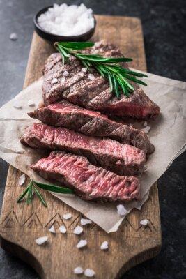 Posters Grillé, bœuf, steak, romarin, sel, planche à découper