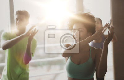 Groupe, sourire, gens, danse, gymnase, studio