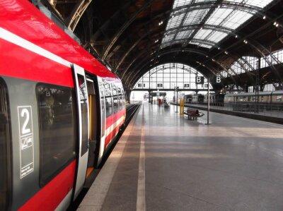Posters Hält Bahn à Bahnhof
