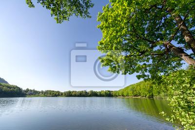 Image horizontale de couleur magnifique sur le lac