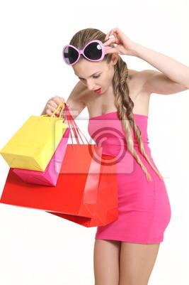 jeune fashionista à la boutique