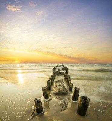 Posters Krajobraz morski-falochron i zachód słońca