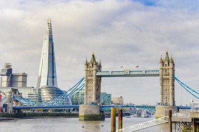 Posters L'éclat et le Tower Bridge sur la Tamise à Londres, Royaume-Uni