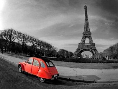 La Tour Eiffel et voiture rouge-Paris
