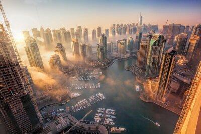 Posters Marina de Dubaï avec un coucher de soleil coloré à Dubaï, Emirats Arabes Unis