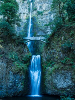 Posters Multnomah Falls dans la Gorge-Britannique