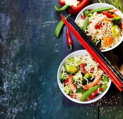 Posters Nouilles chinoises aux légumes et crevettes