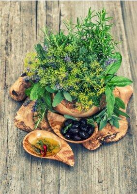 Posters Olives, huile, herbes et épices. Style vintage tonique