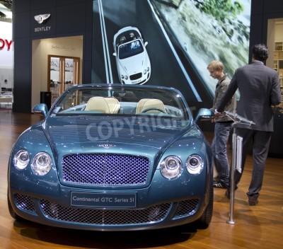 Posters Paris Motor Show 2010 à Paris, montrant Bentley Continental GTC série 5I