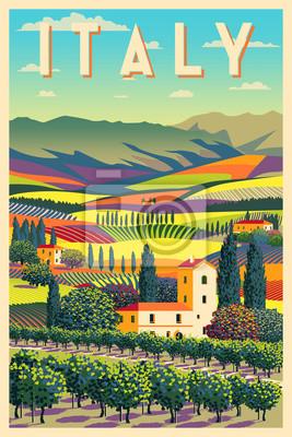 Paysage rural romantique en journée ensoleillée en Italie avec vignes, fermes, prés, champs et arbres en arrière-plan.