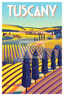 Paysage rural romantique en journée ensoleillée en Italie avec vignes, fermes, prés, champs et arbres en arrière-plan